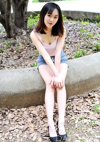 Attractive Asian Member Qingqing from Nanchang, 22 yo